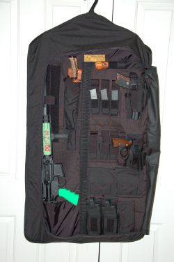skinner_htf_tactical_garment_bag_hide_guns_ar-15_pistols_plain_sight