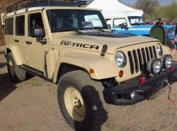 jeep_safari_2015_review_survival_shit_hits_the_fan_vehicle