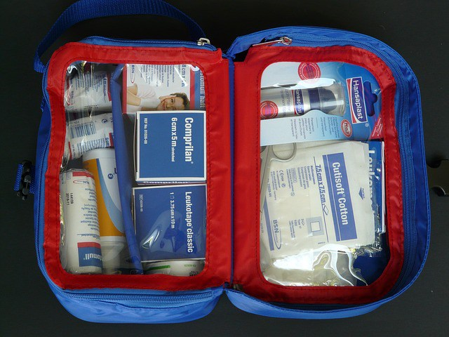 first-aid-kit-59645_640