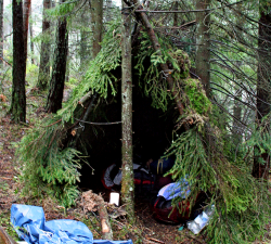 emergency-shelter-camp